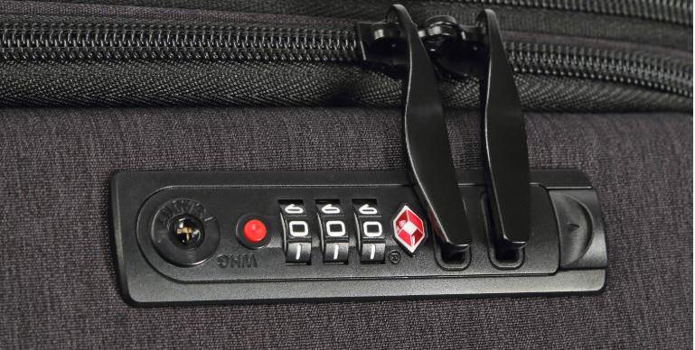 Uniwalkerのスーツケースはアメリカで便利なTSAロック付き
